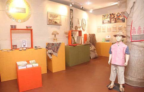 Display of Jute Diversified Products at Rabindra Tirtha, Kolkata, during National Seminar on Jute Diversified Products at Kolkata